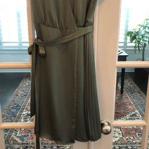 Banana Republic Dresses - Never worn Banana Republic dress